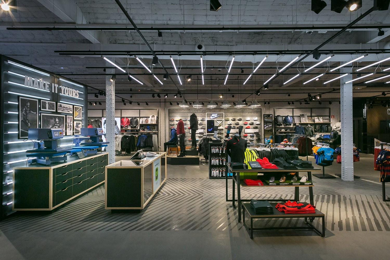 8ddea32458b9f Nike showroom Madrid